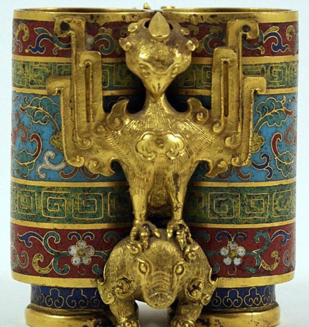 cursed-vase