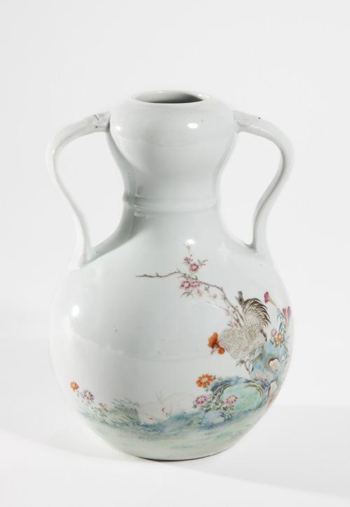 A Good Yongzheng Style Vase