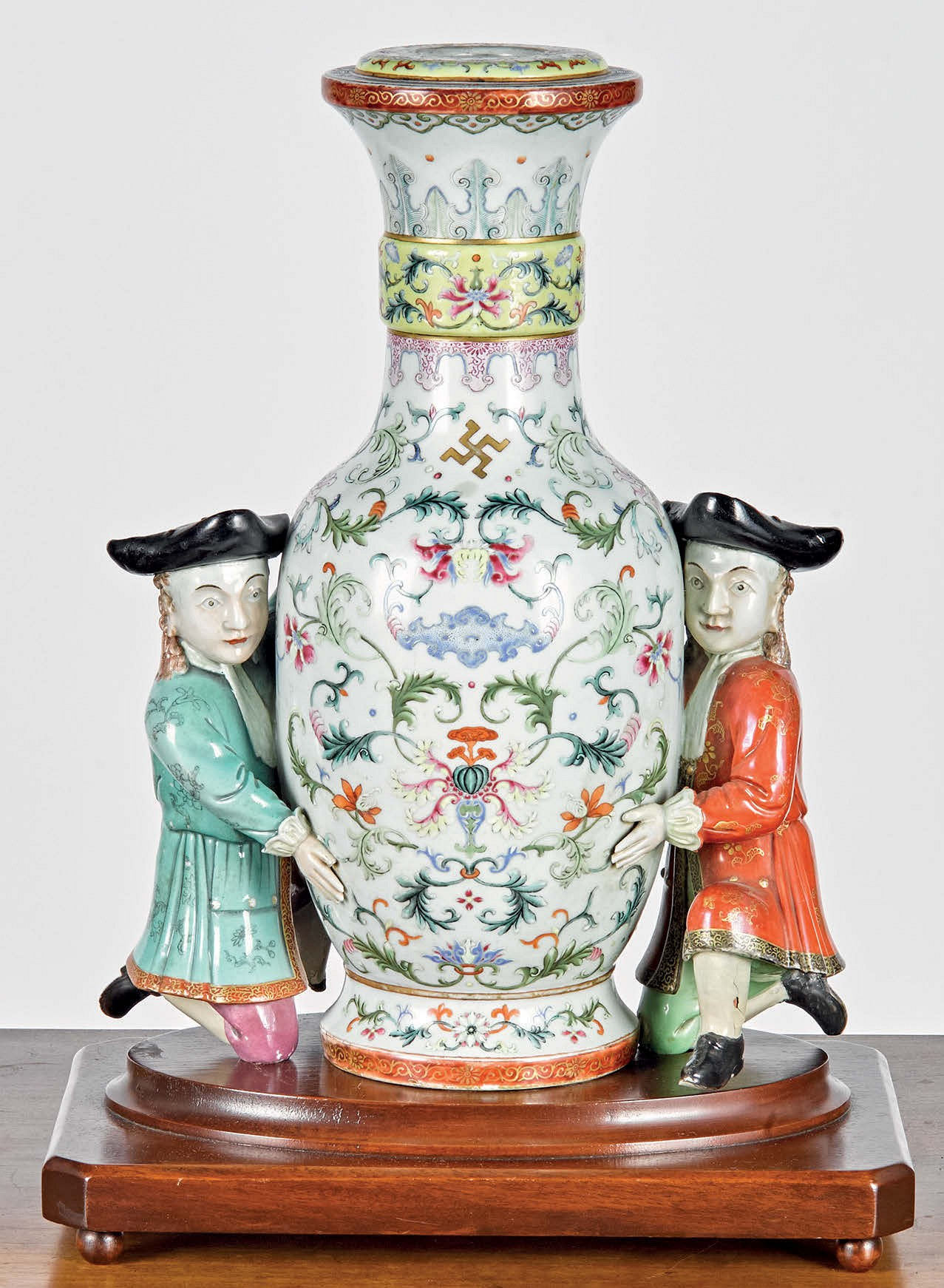 Double Dutch! Qianlong Vase Sells For $270,000